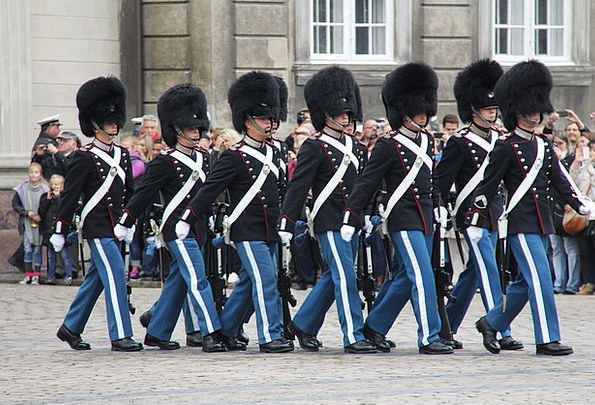 Marching Filing Changing Of The Guard Royal Guard