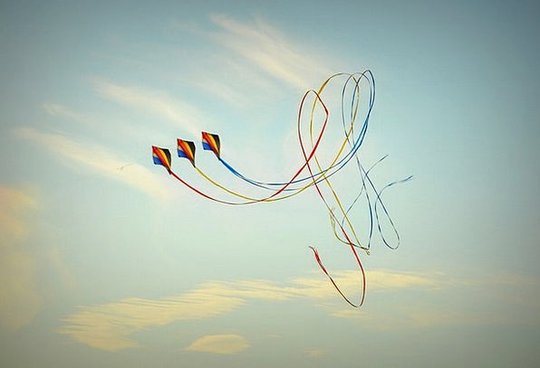 Wind Kite Air Midair Blue Sky Clouds Vapors Loopin