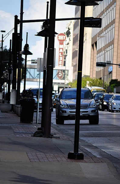 Downtown Center Cars Carriages Dallas Light Posts