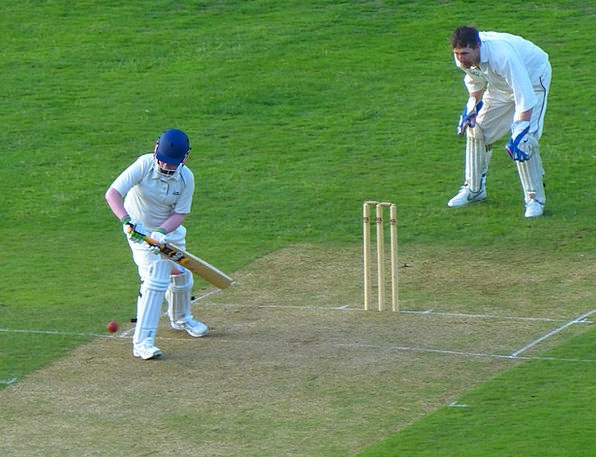 Cricket Thrower Team Sports Throw Toss Batsman Bal