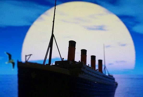 Pleasure Boat Eras Titanic Colossal Times Seagull