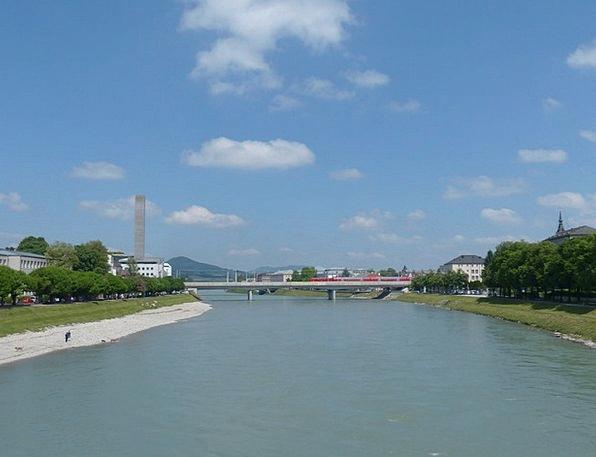 Salzach Stream Salzburg River Tower Barbican Heat