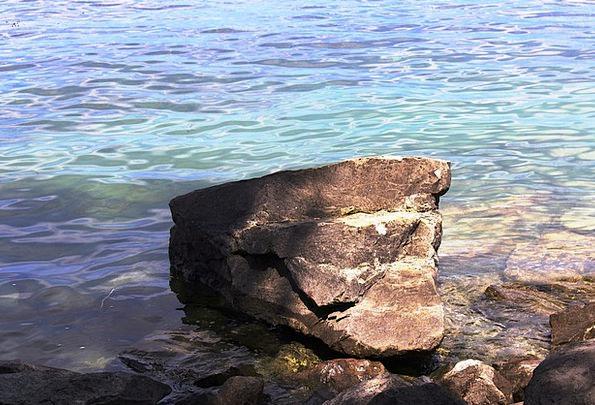 See Understand Set Stone Pebble Bank Large Big Far