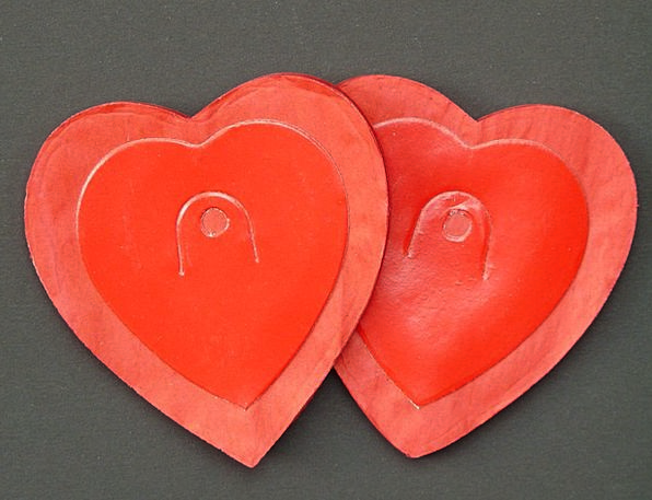 Heart Emotion Darling Red Bloodshot Love Garland W