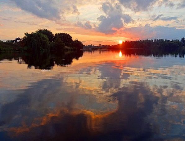 Sunset Sundown Vacation Understand Travel Water Re