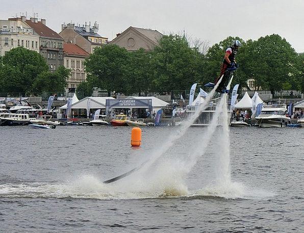 Flyboard Stream Nozzles Spouts River Moldova Man F