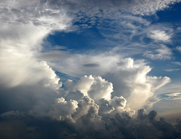 Cumulus Vapors Dramatic Affected Clouds White Snow
