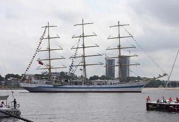 Yachts Ships Traffic Port Transportation Boat Harb