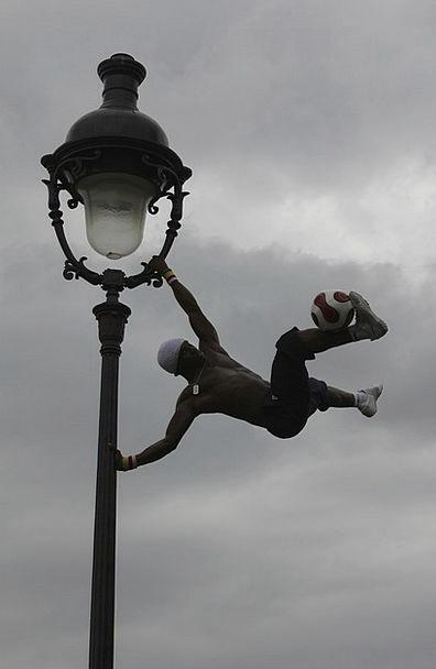 Body Control Montmartre Paris Lantern Lamp Ball Ar
