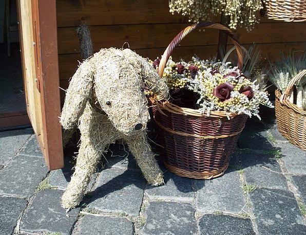 Dog Canine Bag Straw Dog Basket Pavers