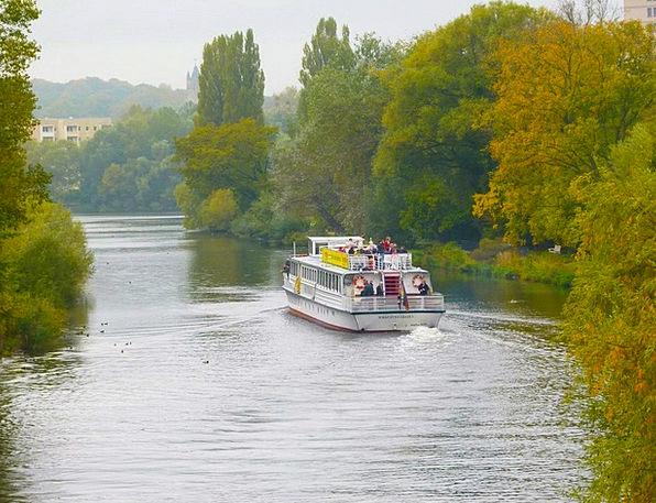 Scenic View Stream Cruise Voyage River Beautiful L