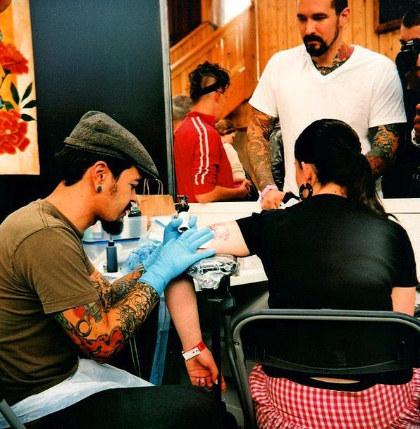 Tattoo Signal Girl Lassie Tattoo Artist