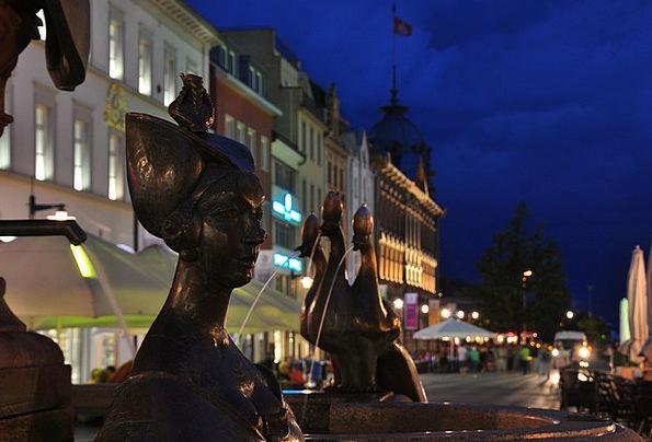 Constance Marketplace Fountain Cascade Market Lake