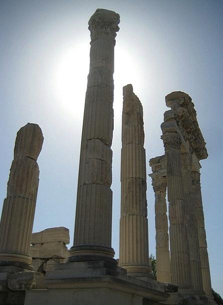 Pergamon Ruins Shells Turkey Excavations Digs Temp