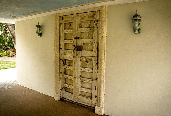 Shangri-La Buildings Architecture Doorway South Fl