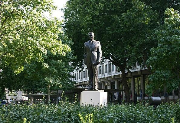 Ronald Reagan Figurine Grosvenor Square Statue Lon
