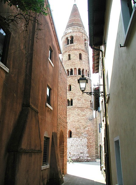 Old Town Backstreet Passage Way Alley Church Eccle