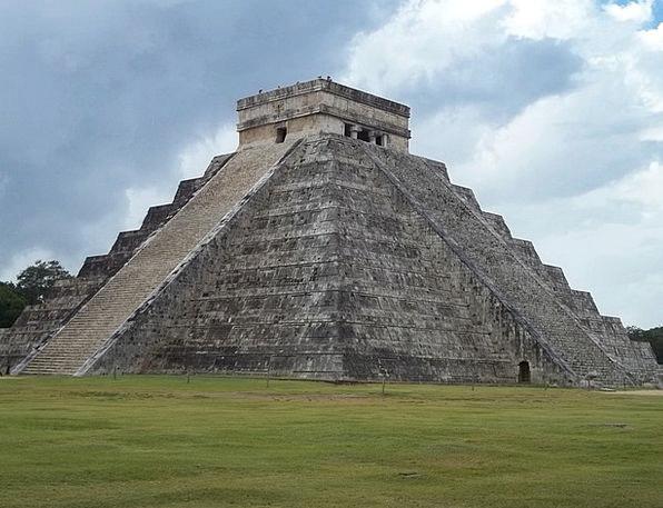 El Castillo Kukulcan Chichen Itza Mexico Pyramid