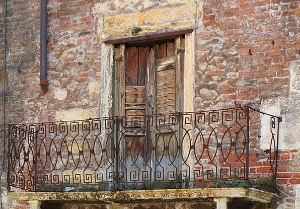 Balcony Circle Ancient Facade Frontage Old Histori
