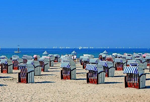Clubs Bats Vacation Seashore Travel Baltic Sea Bea
