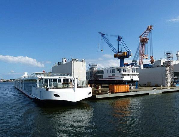Hafenkram Hoist Port Harbor Crane Coast Warnemünde