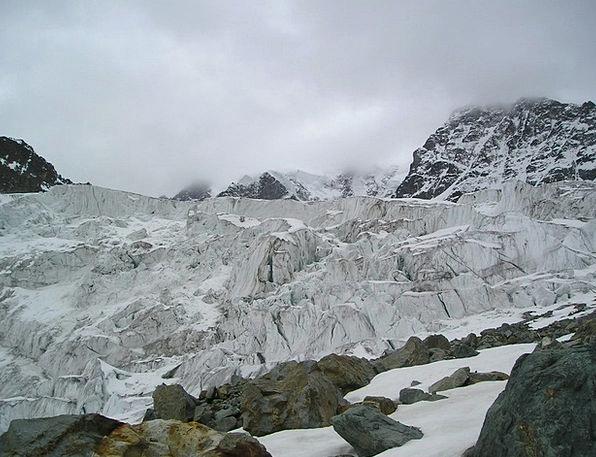 Glacier Fissures Split Labyrinth Crevasses Glacier