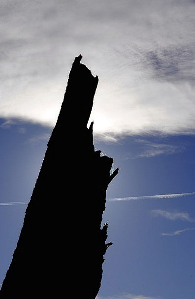 Strain Straining Blue Clouds Vapors Sky Glow Radia