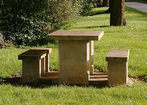 Shoals Landscapes Eat al fresco Nature Table Bench