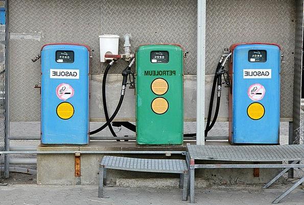 Mack Gasoline Pump Drive Petrol Petrol Station Fil