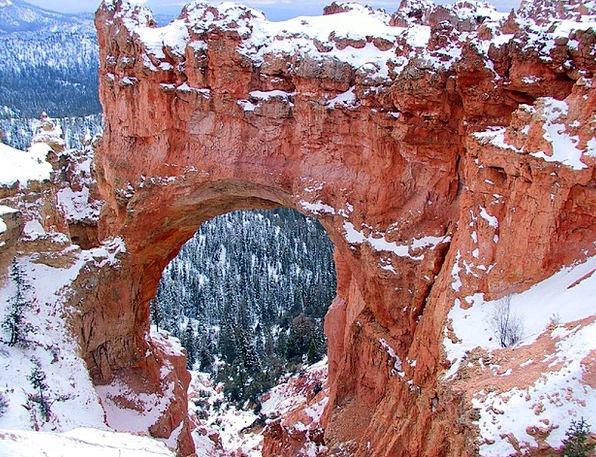 Bryce Canyon Playful Natural Bridge Arch Utah Wint