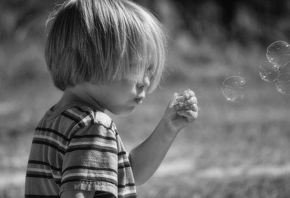 Soap Bubbles Lad Bubbles Foams Boy Cute Blowing Gu
