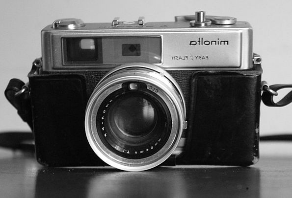 Paparazzo Camera Minolta Lens Objective Analog Pic