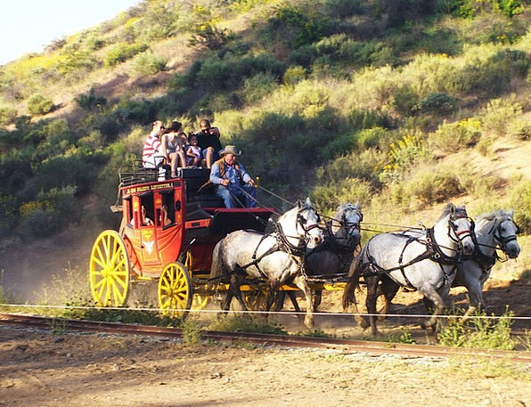 Stagecoach Carriage Cowboys Cowhands Wild West Hor