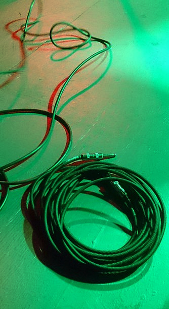 Cables Chains Show Demonstration Guitar Cable Ligh