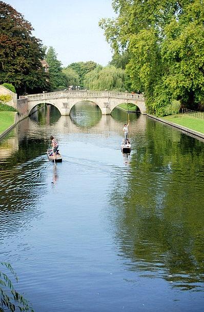 Punt Bet Bond Cambridge Bridge River Stream Puntin