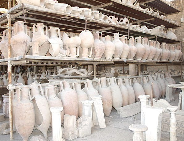 Pompeii Italy Ruins Vessels Pots Pottery Pompei An