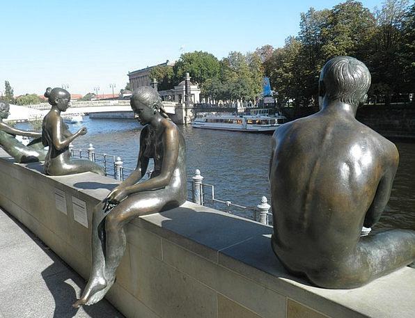 Berlin Copy River Stream Image Spree Binge Sculptu
