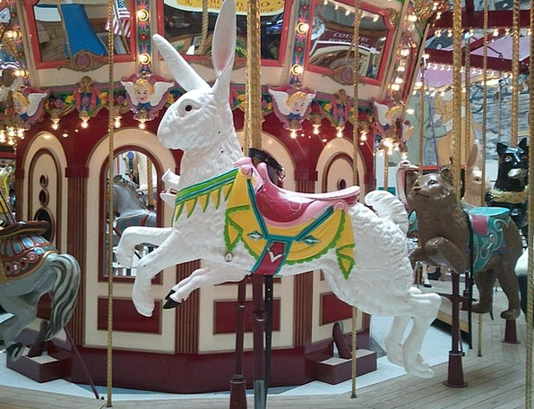 Carousel Bunny Merry-Go-Round Whirl Rabbit Recreat