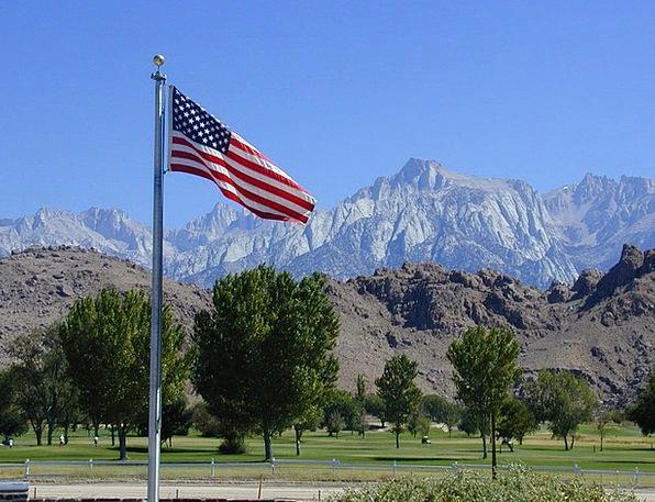 Flags Streamers Sierra Nevada Usa Rocky Mountains