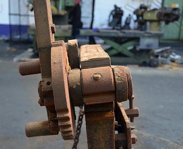 Machine Mechanism Sweatshop Rust Corrosion Factory