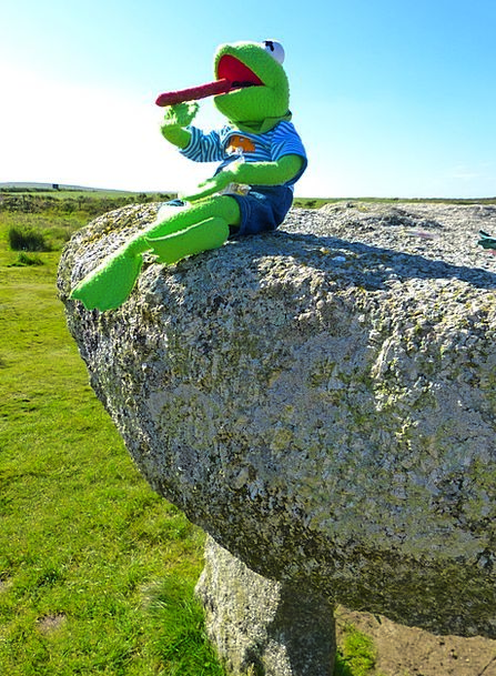 Lanyon Quoit Drink Food Giant'S Table Quoit Giant'