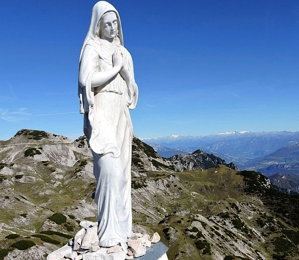 madonna landscapes figurine nature mountain crag statue small