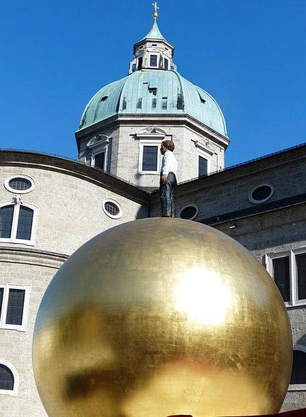Balkenhol Mozartkugel Golden Ball Sphaera Salzburg