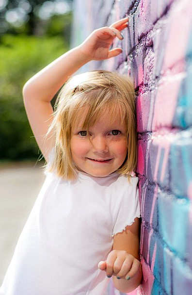 Girl Lassie Partition Mural Fresco Wall Girl Power
