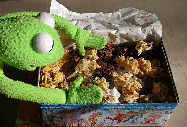 Frog Drink Food Cookie Kermit Cornflakes Nibble Bi