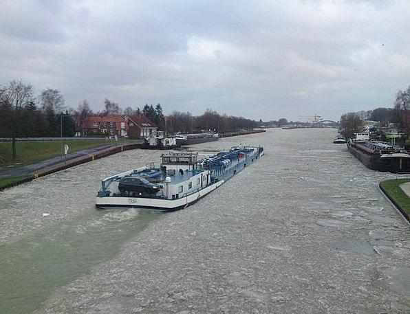 Icebreaker Opener Vessel Channel Station Ship Ice