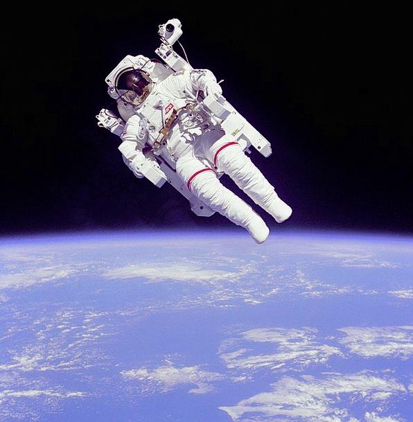 Weightless Light Drift Astronaut Cosmonaut Float U