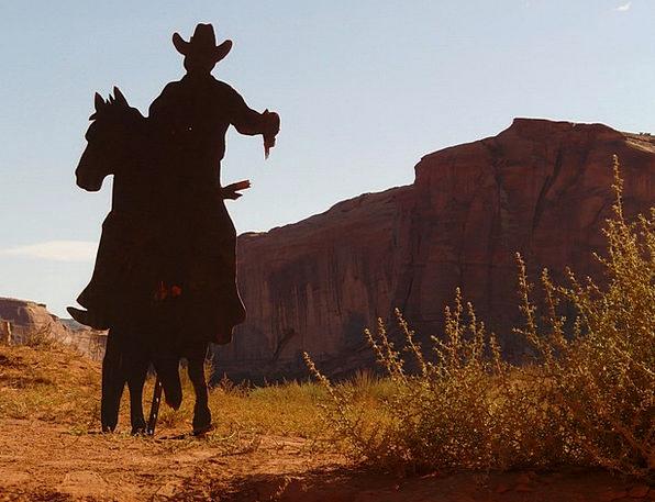 Cowboy Unreliable Reward Revolver Pistol Desert He