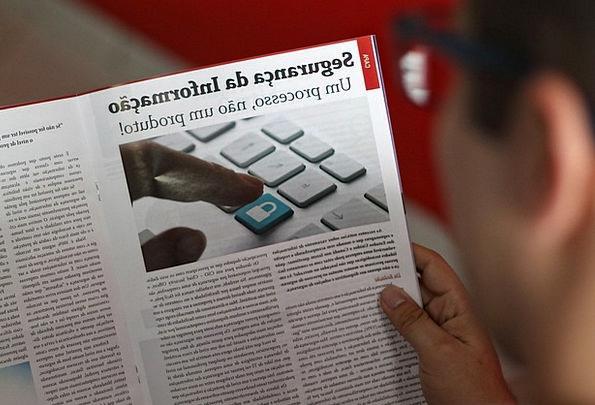 Reading Interpretation Magazine Fortnightly Man Re