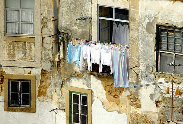 Old House Washing Facade Frontage Laundry Structur
